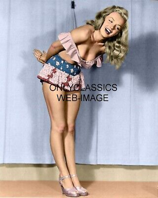 Sexy Actress Marilyn Monroe Short Skirt 8X10 Color Photo Pinup Cheesecake Busty