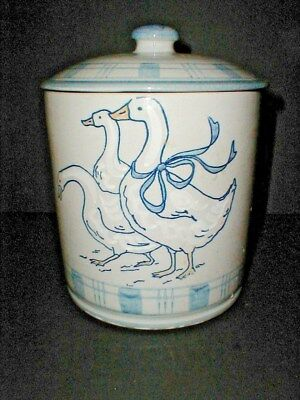Louisville Stoneware USA Kentucky GAGGLE of GEESE Flour Canister