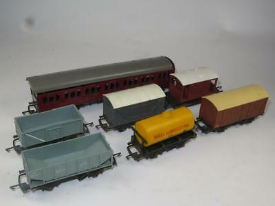VINTAGE TRI-ANG RAILWAYS TT Gauge 6 x Wagons and a Coach UNBOXED 1960s