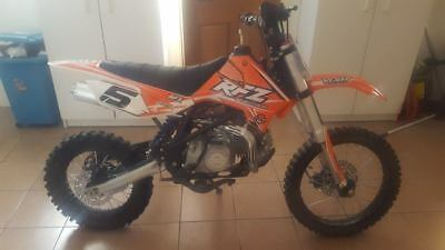 RFZ 140 cc Big Wheel Pit bike