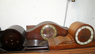 Lot of 4 empty clocks cases to be restored or for spare parts