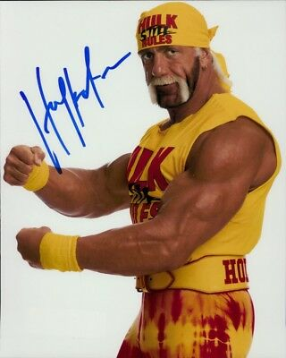 Hulk Hogan In Person Signed Photo - Wrestler turned actor - F44