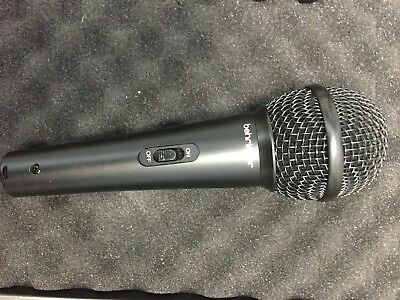 Behringer XM1800S Dynamic Wireless Professional Microphone with clip holder