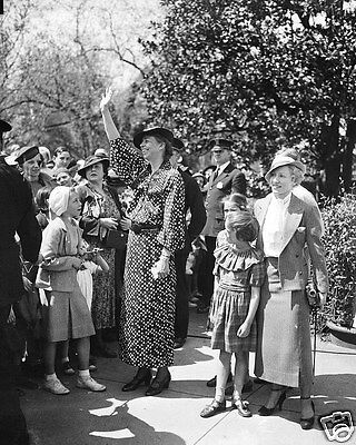 Eleanor Roosevelt First Lady Waving White House 8 x 10 Photo Photograph Picture
