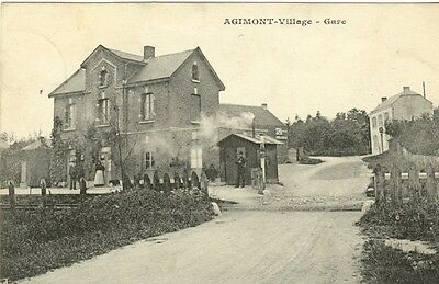 Reproduction photo de la carte postale de la gare d'Agimont-village
