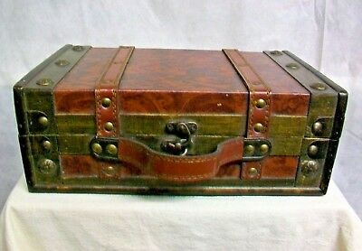 @AC-WO VINTAGE WOODEN WOOD TREASURE CHEST CASE w/ LEATHER STRAPS RIVETS & HANDLE