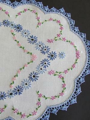 Vintage Hand Embroidered Centre - Pattern of Lots of Daisies - Crocheted Edging