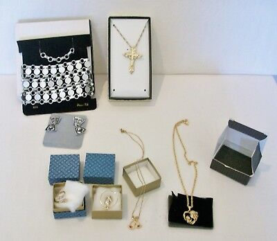 7 pcs Vintage IN BOX Mixed Lot 3 Sarah Coventry & 4 AVON Jewelry~Cross,,Madonna