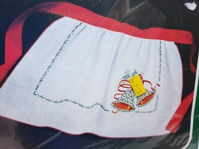 Bucilla HOLIDAY HOLLY HOSTESS APRON Embroidery Applique Christmas Craft Kit NEW