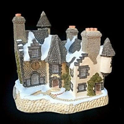 David Winter Cottages Christmas Ornament Christmas in Scotland and Hogmanay 1988