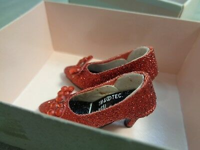 Tonner-Wizard Of Oz-Ruby Red Slippers -Dorothy