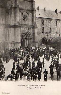 55 Cpa Animee  Debut 1900- Saint Mihiel -L'eglise Sortie De Messe