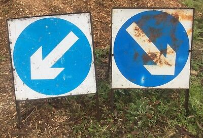 2 metal folding Keep Left Keep Right Freestanding Road Signs nr Brighton