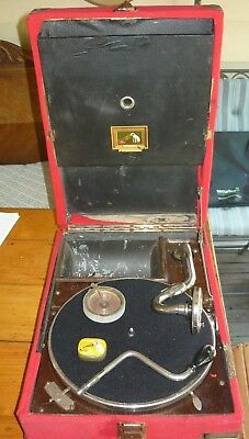 Vintage wind-up HMV gramophone with wind handle, box of needles etc Useable.