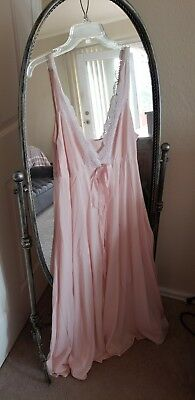 Beautiful VTG OLGA Pale Pink Nightgown, Lace Front, Wide Sweep Hem, Size Large