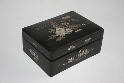 Antique Chinese Wooden Carved Inlay Mother of Pearl Picture Small Trinket Box