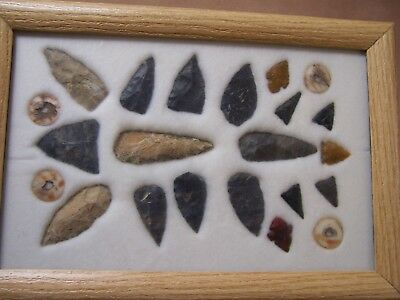 9x13 FRAME OF 18 MIDWEST POINTS & 4 BEADS COLLECTED IN CHICAGO PRIOR TO 1960