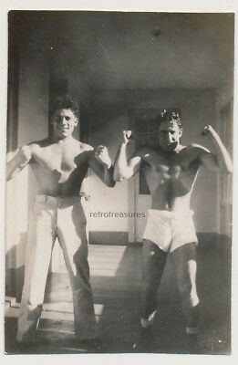 BEEFY SHIRTLESS PHYSIQUE SOLDIERS FLEX MUSCLES vtg UNDERWEAR MEN photo GAY INT