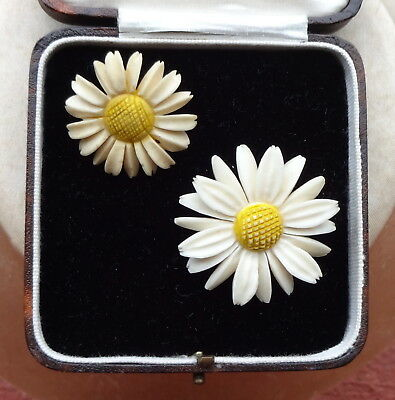 Pair of carved Retro/Vintage cute Daisy Brooches-one small, one large circa 40's