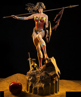 Sideshow Wonder Woman DC Comics Premium Format Figure (New)