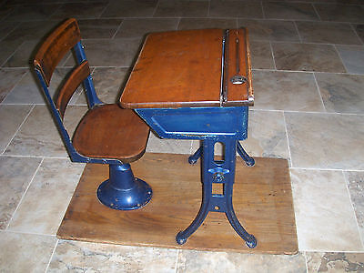 1930's Antique Metal and Wood Childrens Elementary School Desk and Chair  Nice - 1930'S ANTIQUE METAL And Wood Childrens Elementary School Desk And