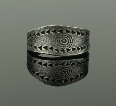 ANCIENT VIKING SILVER RING - CIRCA 9th/10th CENTURY  023
