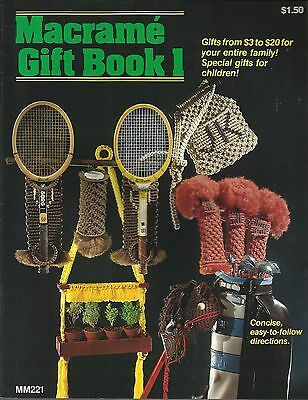 Macrame Gift Book #1 Vintage Project Pattern Book NEW Wreath Golf Club Covers