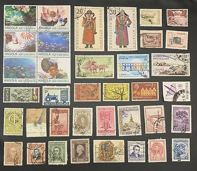 [Lot 126] 200 different Deluxe Worldwide Stamp Collection (All Stamps Shown)