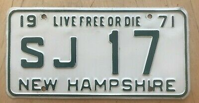 """1971 New Hampshire Passenger Auto License Plate """" Sj 17 """" Nh 71 Live Free Or Die"""