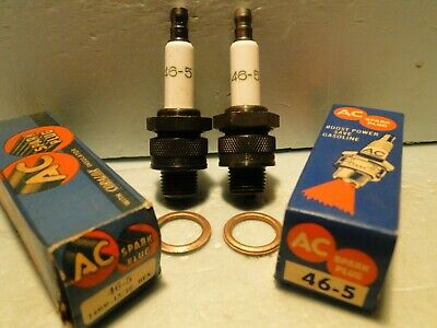 2 Vintage AC 46-5 Spark Plugs NOS Early Green Script Print GM 5569617 14mm
