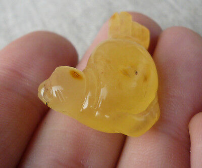 3,19gr SEA LION Engraved Beautiful Genuine Handmade Butterscotch Baltic Amber
