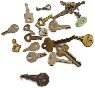 20 Vintage and Antique KEYS Lot - Steampunk Jewelry Crafting DAF Barrel Flat