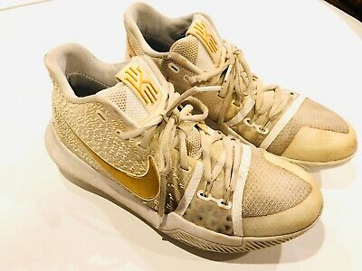 454821dffab NIKE Kyrie 3 Championship Finals White Gold Basketball Sneakers Mens Size  9.5
