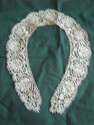 ** Vintage Lace Collar - Very Good Condition  [Nn]