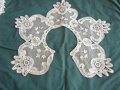 ** Vintage Lace Collar - Appliqued Lace On Tulle  [Uu]
