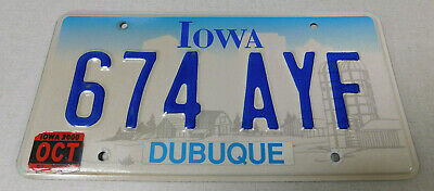 2000 Iowa passenger car license plate Dubuque county