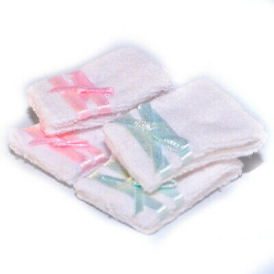 1/12 Streets Ahead Dolls House Pack Set of 4 white Bathroom towels D1052