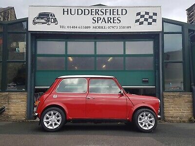 Classic Mini Cooper 1.3i MPI flame red with white roof, stunning car