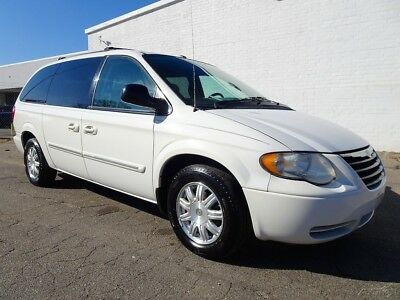 2006 Chrysler Town & Country Touring 2006 Chrysler Town & Country Touring Minivan/Van Used 3.8L V6 12V Automatic FWD