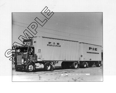 P.I.E. PACIFIC INTERMOUNTAIN EXPRESS 1972 WHITE-FREIGHTLINER Doubles 8x10 Photo