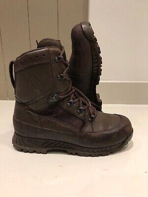 Size 8 genuine brown combat high liability haix boots!Excellent!hardly Worn!