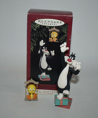 Hallmark 1995 Looney Tune Sylvester and Tweety Hang Together Ornament Set