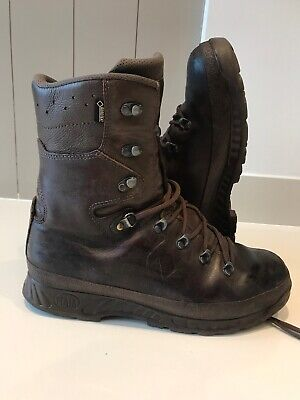 Size 10 brown cold wet weather haix boots! Very Good Condition!loads of tread!
