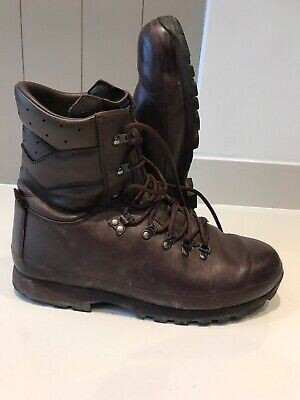Size 11 Latest Style brown altberg defender military boots!v/g & loads of tread!