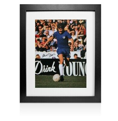 Framed Charlie Cooke signed Chelsea photo - Colour Autograph