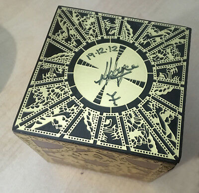 Hellraiser Puzzle Box Set SIGNED by SIMON SAYCE - Lament configuration &Extras
