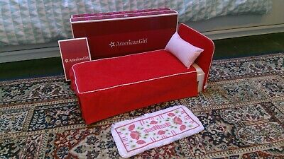 GREAT CONDITION Used Molly American Doll Bed (includes cover, pillow and rug)