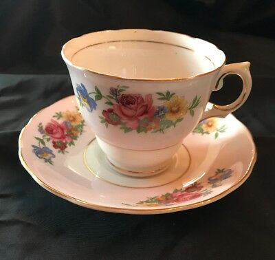 Colclough Made In England Bone China Cup Saucer Lavender Floral Gold Trim 6732 2