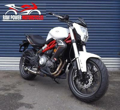 Benelli BN302 E4 ABS White Free UK Mainland Delivery Available