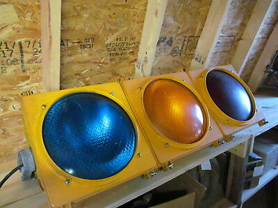Large Stoplight Automatic Traffic Signal LFE w/ Astro-Brac Mast Arm
